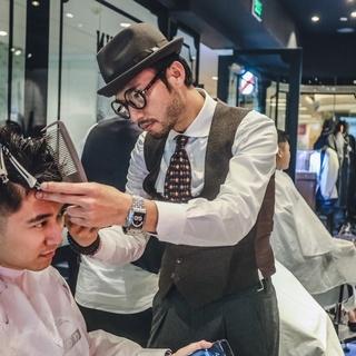 sagsbarbershop男士理发店的照片
