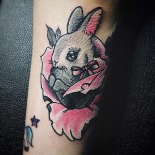 兔子胳膊纹身可爱