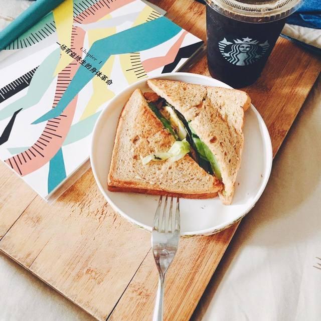 食帖,STARBUCKS,金枪鱼三明治,这个我先替你吃了,吃即王道