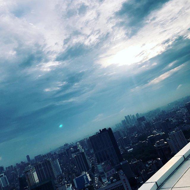 飞机线,🍃,蓝色控,蓝天白云,广州