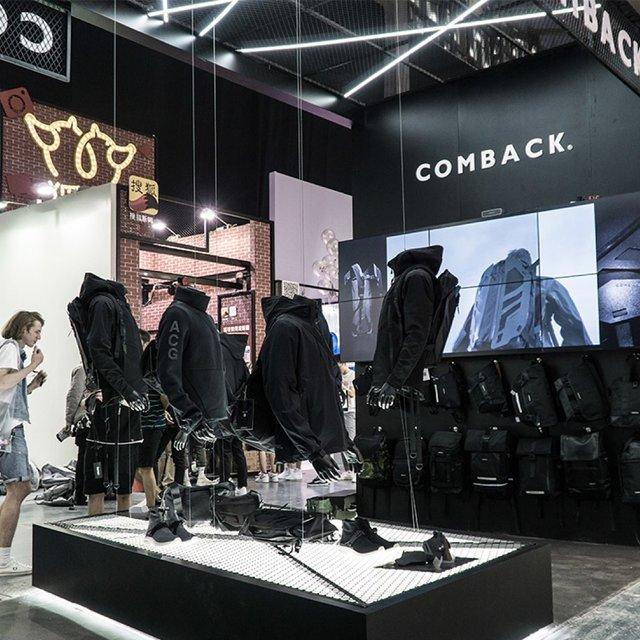 COMBACK品牌的照片