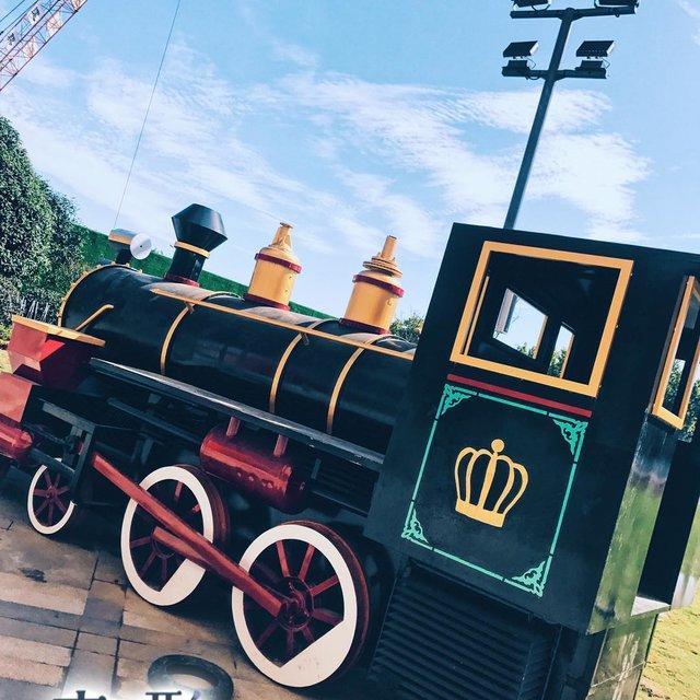 小火车,火车,车,蓝天白云