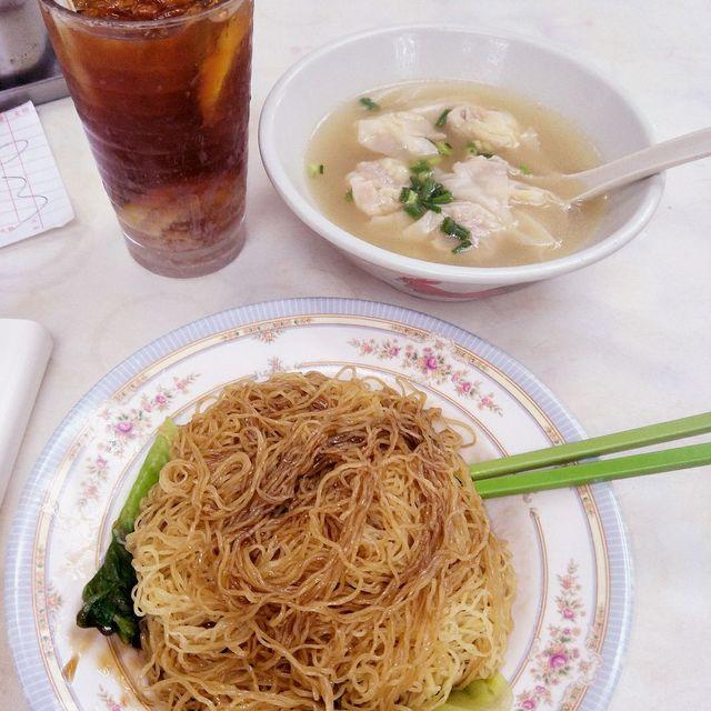 鲜虾云吞捞面+冻柠茶
