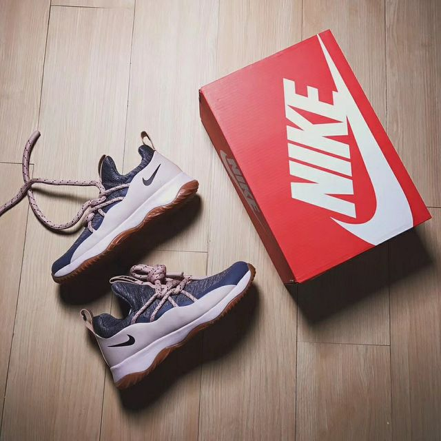 HTY潮鞋sneaker的照片