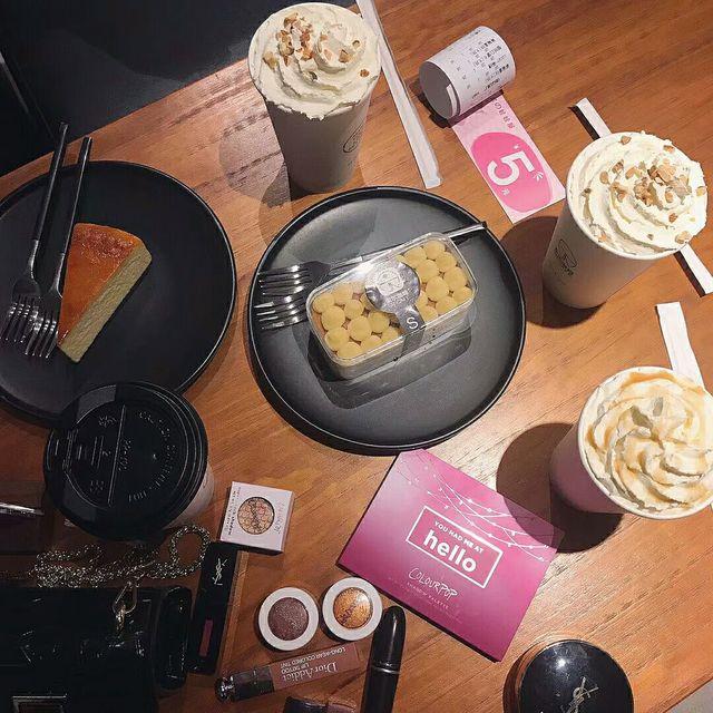 hello,豆乳盒子,重芝士蛋糕,草莓拿铁,黑糖奶茶