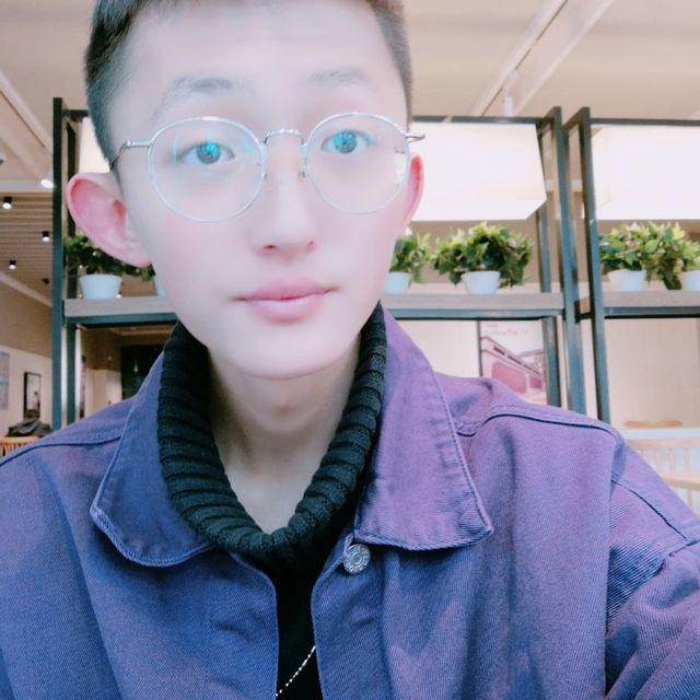 保守的中国男人的照片