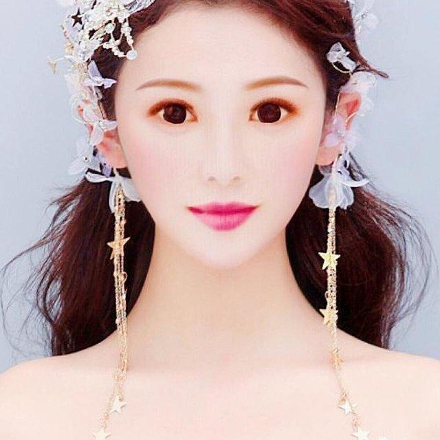 彩霞姑娘的照片