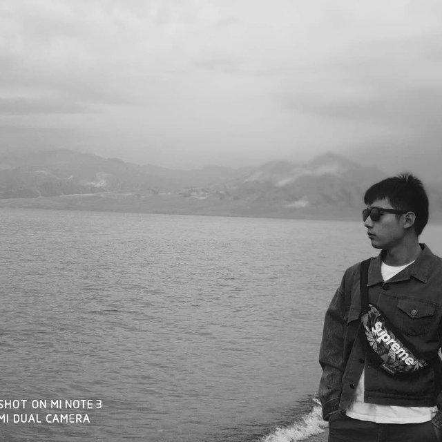 旅行是我的解药,黑白滤镜,the v brand,赛里木湖
