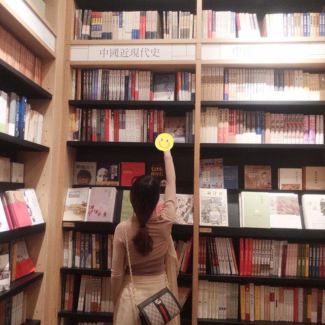 书架,喜欢请点赞,G,小背影
