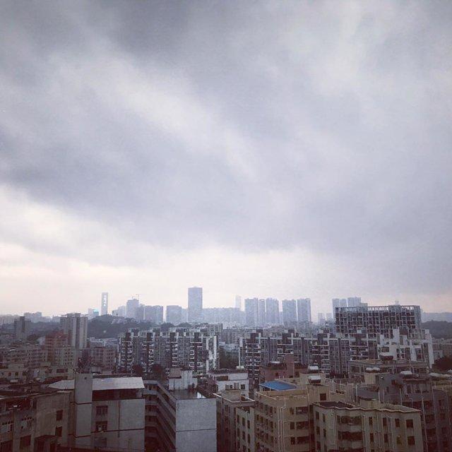 乌云密布,暴雨将至