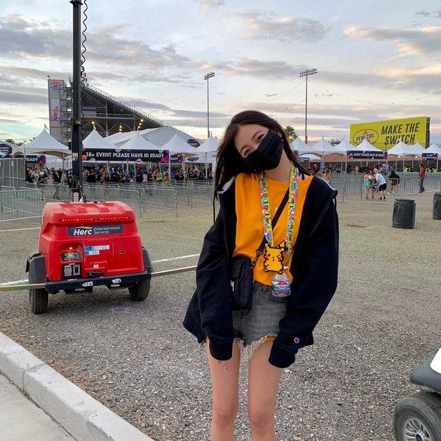 过气的网黑,喜欢请点赞,total look,Fear of God,Electric Daisy Carnival (EDC) Las Vegas