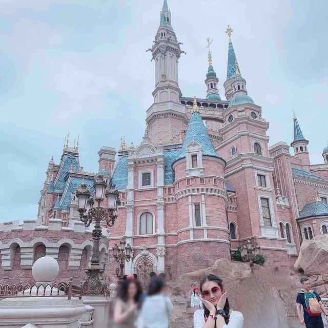 上海迪士尼,哲哲,喜欢请点赞,城堡